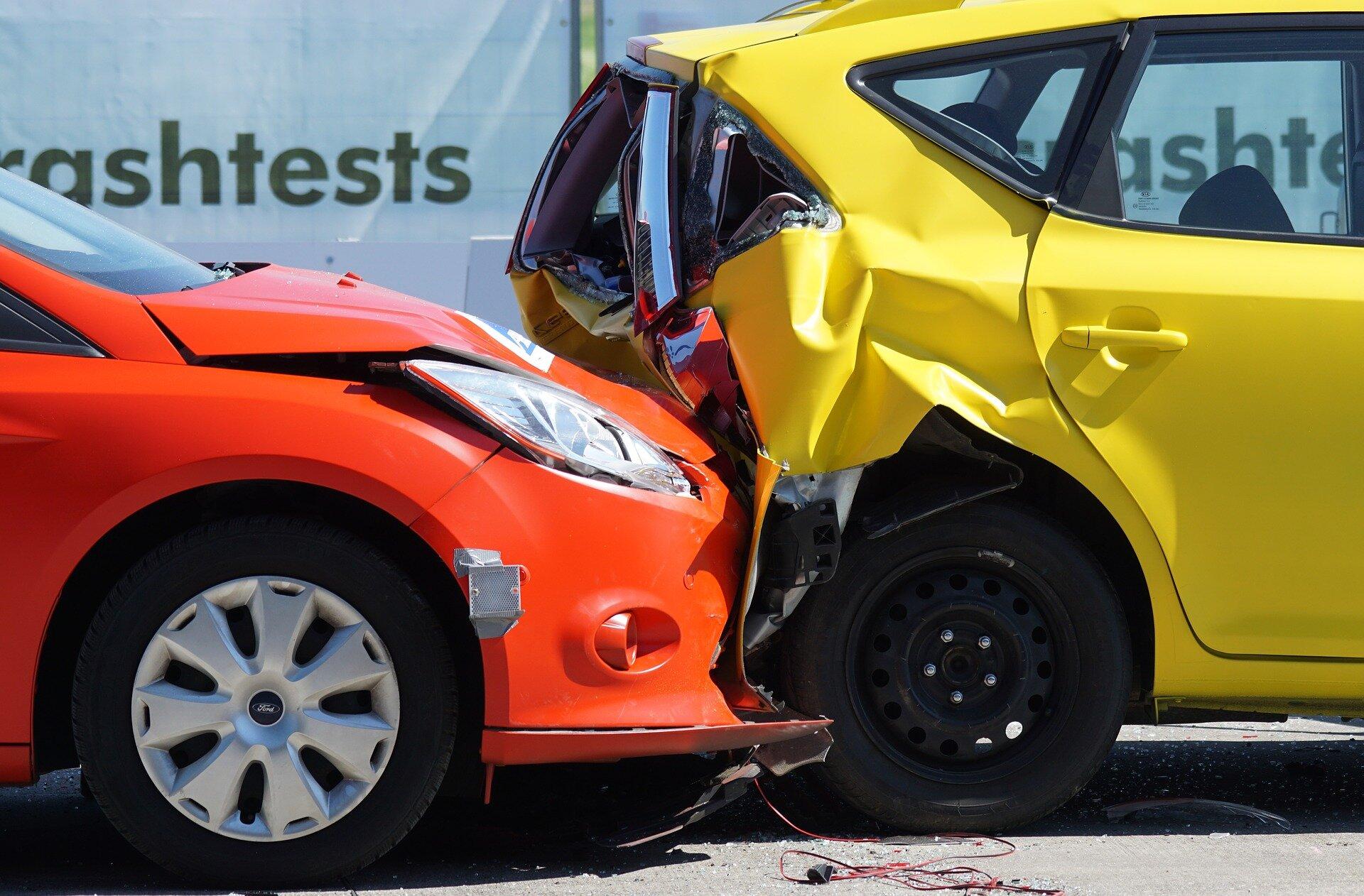 Изображение - Что нужно для страховки автомобиля crash-test-1620591_1920