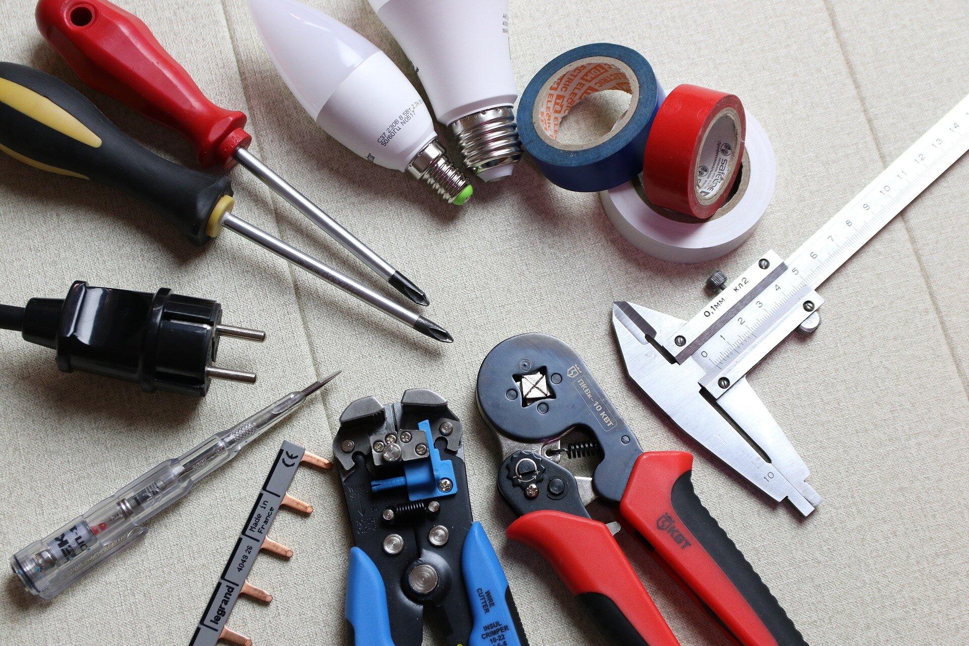 Изображение - Документы для перепланировки квартиры electrician-3273340_1920