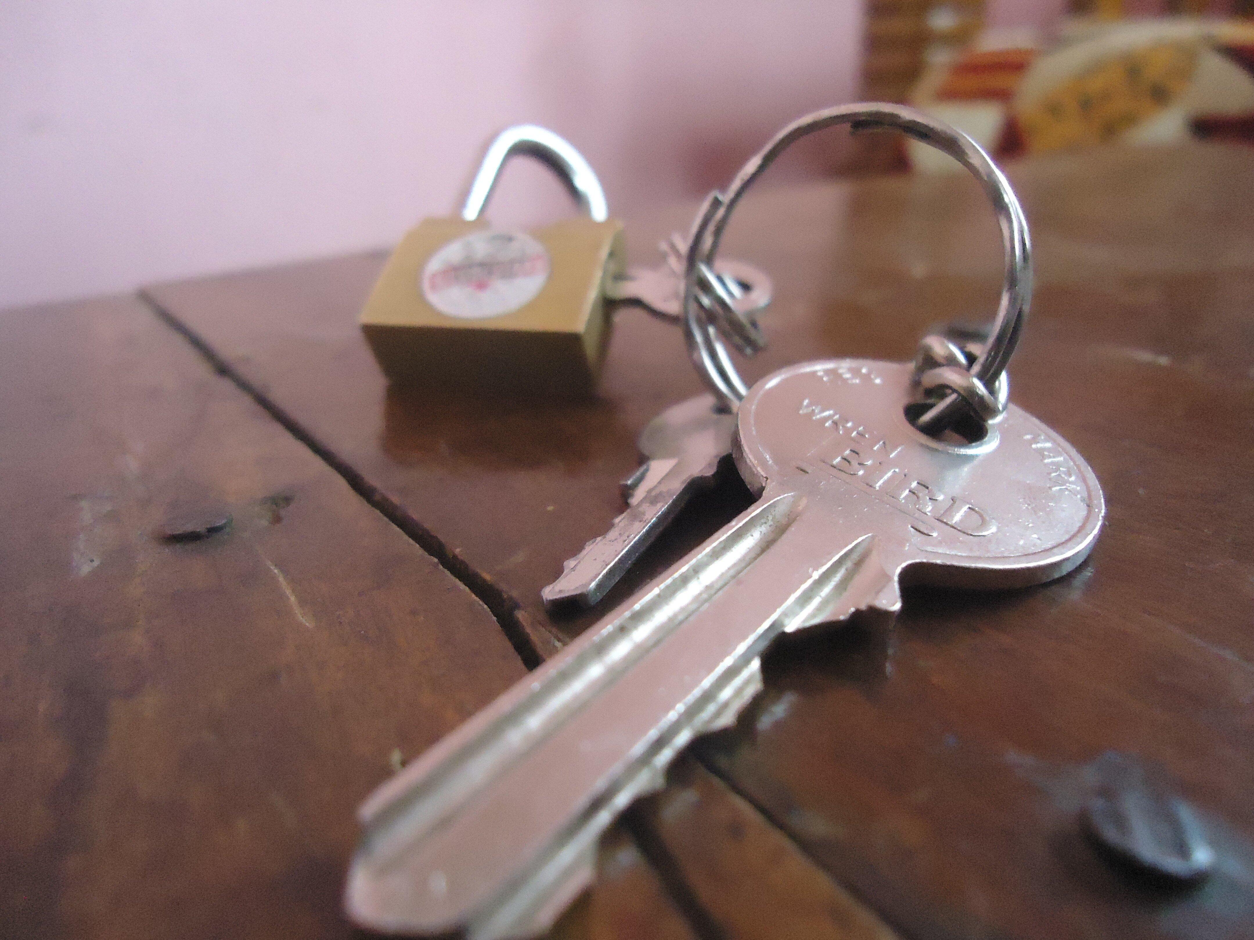 Изображение - Оформление квартиры в собственность open-symbol-key-security-keychain-padlock-1014659-pxhere.com_